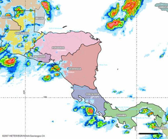 """""""Kart over Mellom-Amerika som viser nedbørsmengde basert på satelittovervåking"""""""