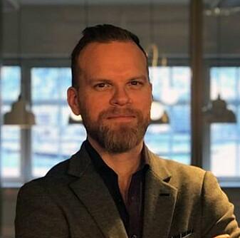 Claes Lyth Walsø bruker språkteknologi til å følge med på hva som skrives om kundene i norske medier.