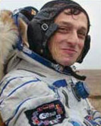 """""""Astronaut Pedro Duque fotografert rett etter han kom ned fra romstasjonen i 2003. I dag besøker han NTNU. (Foto: ESA)"""""""