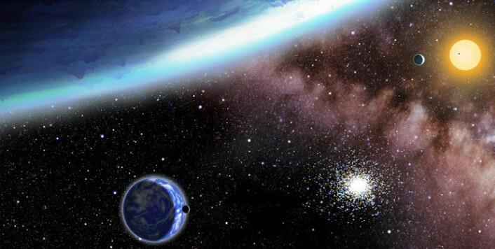 Illustrasjon av planetene som nylig er blitt oppdaget. Den største planeten i bildet, Kepler 62f, er lengst unna stjernen og er dekket av is. Kepler 62e er i forgrunnen, er nærmere stjernen og dekket av skyer. (Foto: (Illustrasjon: David A. Aguilar/CfA))