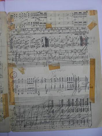 Geirr Tveitt foretok mange endringer i sine verker, noe som kan gjøre innstuderingen vanskelig. Klaverstemme til Hundrad Hardingtonar Suite nr. 4. (Foto: Bjarte Engeset)