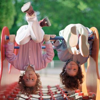 Amerikanske forskere konkluderer: Enebarn har like mange venner som barn som har søsken. (Foto: Colourbox)