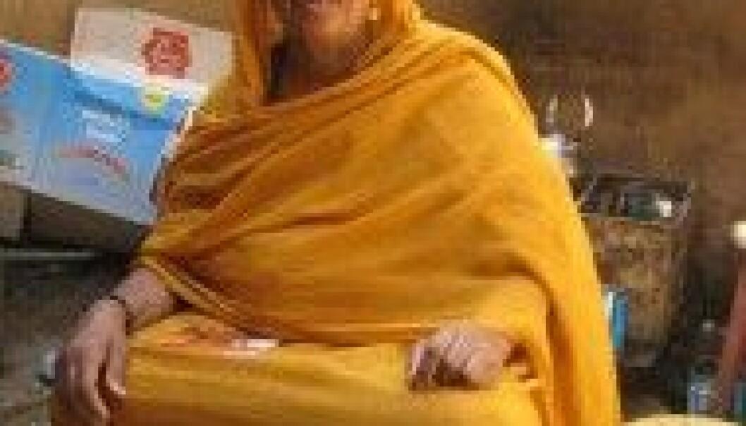 Sudanesisk kvinne i den tradisjonelle drakten toob. Liv Tønnessen