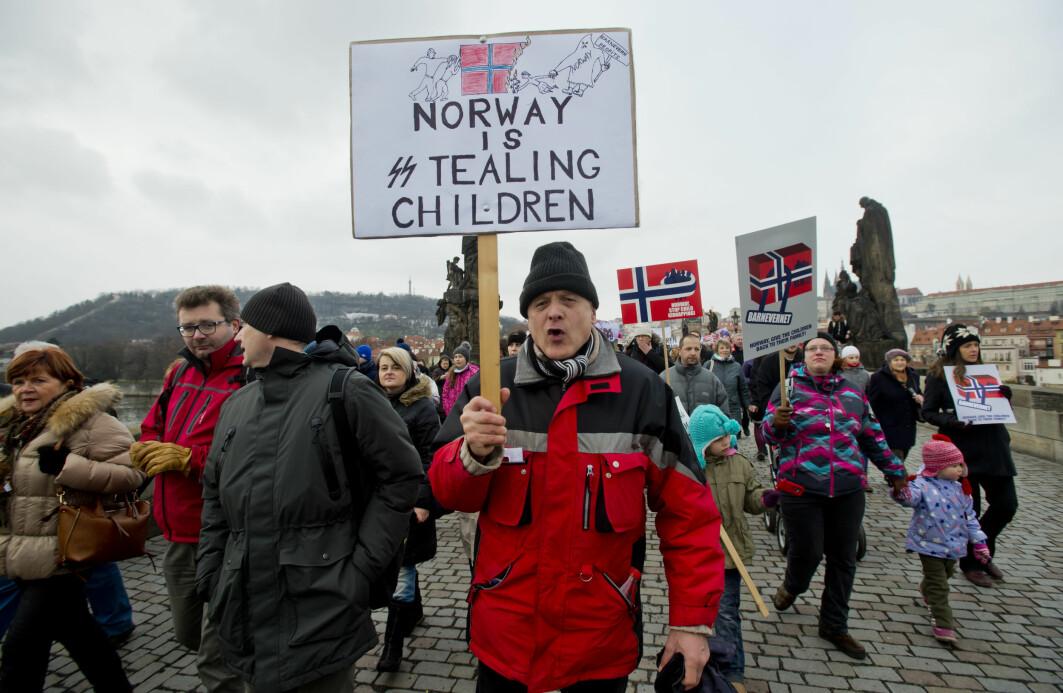 I 2016 toppet internasjonal kritikk mot norsk barnevern seg. Her fra en demonstrasjon i Praha i januar 2016.