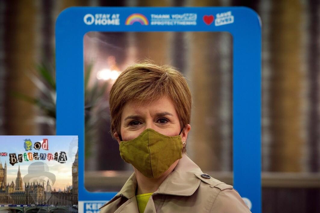 Nicola Sturgeon er Skottlands førsteminister og leder for partiet SNP. På bildet driver hun valgkamp i Giffnock vest for Glasgow.