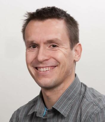 Overlege og postdoktor Tom Dønnem fikk Onkologisk Forums Ung Forsker pris i 2009 for sitt arbeide på nydannelse av blodkar ved lungekreft. (Foto: Bjørn-Kåre Iversen, UiT)