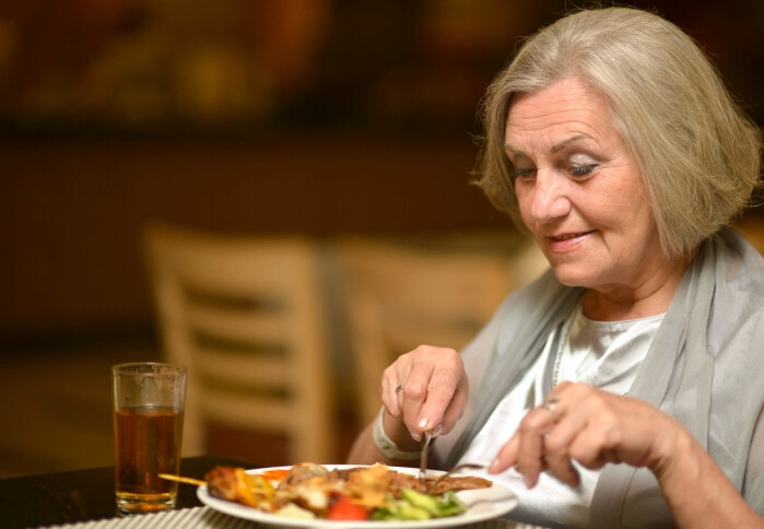Proteiner bidrar til å opprettholde muskelmasse, og derfor trenger eldre matvarer med proteiner som er enkle å fordøye.