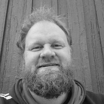Jan Magne Gjerde er arkeolog og forsker i NIKU.