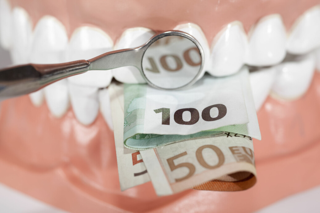 – De som ikke går til tannlegen fordi kostnaden er for høy, rapporterer også om dårligere oral helse, som påvirker dem i dagliglivet, forteller professor Anne Åstrøm.