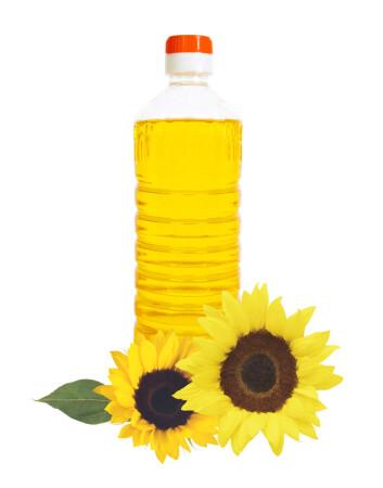 Solsikkeolje er rik på flerumettede fett. Foto: Wolfelarry, NTB scanpix)