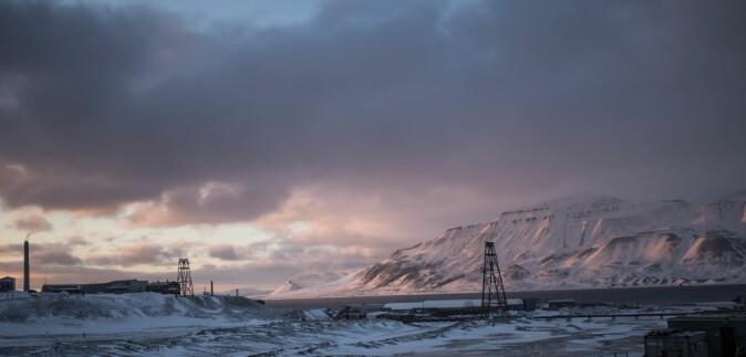 Klimascenarier for Svalbard tyder på at perioder med mildvær og regn om vinteren vil skje oftere i fremtiden.