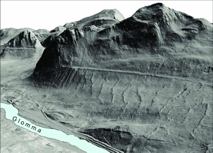 Lidar-teknologien (laser-bilder) gjør det nå mulig å fjerne alle vegetasjon fra bilder av terrenget. På dette 3D-bildet ser du mye tydeligere landformene. Strandlinjen etter Nedre Glomsjø dukker tydelig opp. Terrengformasjonene er overdrevet x2.