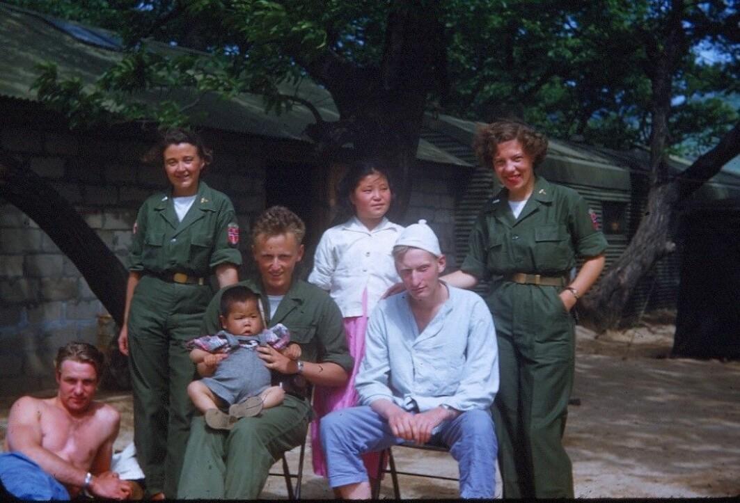 Både soldater og sivile fikk samme omsorgsfulle behandling ved feltsykehuset NORMASH.