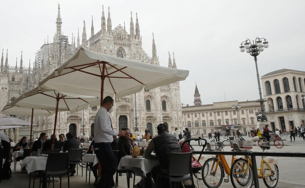 Italia og Milano har begynt gjenåpningen etter den siste koronabølgen. En studie ved et sykehus i byen viser at pasienter som hadde covid-19, hadde antistoffer i kroppen i minst åtte måneder.