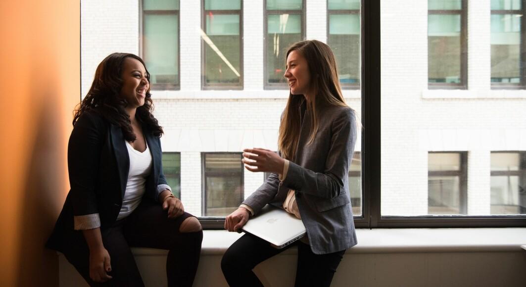 Nyutdannede lærere er mer fornøyde med profesjonen sin og har færre tanker om å slutte enn sine mer erfarne kollegaer.