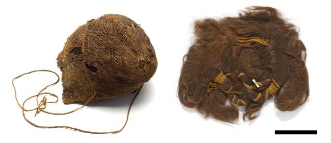 Håret fra en kvinne som ble funnet i Bredmose på Nord-Jylland i 1942 (t.h.). Håret er satt opp med hjelp av flere ullsnorer. Hun hadde også en lue (t.v.) som har dekket frisyren. Funnet er datert til århundrene rundt Kristi fødsel.