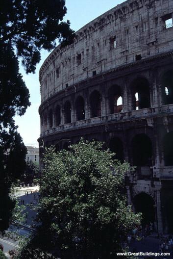 """""""Colosseum i Roma er den mest berømte av gladiatorenes arenaer."""""""
