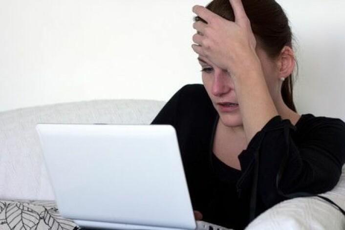 Deprimerte ungdom forteller at de selv må lete seg fram på nettet for å finne ut om medisinens virkning og bivirkninger. (Foto:Colorbox)