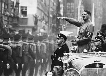 """""""Favoritten i kontrafaktisk historieskriving er andre verdenskrig og Hitler. Om Hitler hadde vunnet, hadde vi da gått rundt og hilst portretter av ham ennå?"""""""