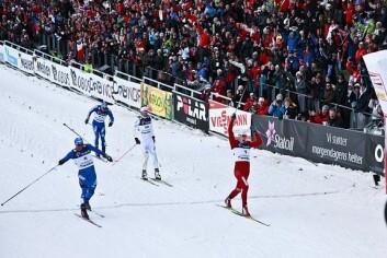 Anders Gløersen spurter inn til seier på sprinten under fjorårets prøve-VM i Holmenkollen. (Foto: Ski-VM 2011)