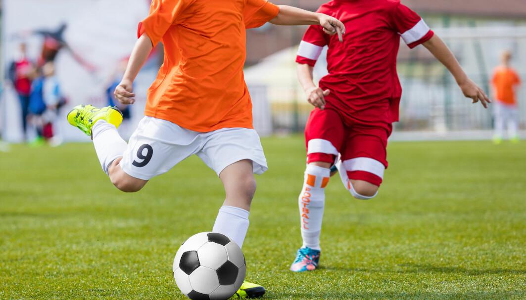 Det pågår en debatt om å dyrke frem toppspillere gjennom elitesatsning i barnefotballen.