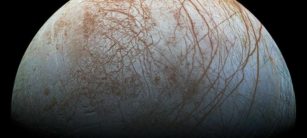 Er det vulkaner under isen på månen Europa?