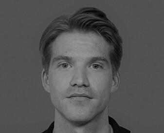 Jacob Dag Berild forsker på mulige bivirkninger av koronavaksinene ved Folkehelseinstituttet.