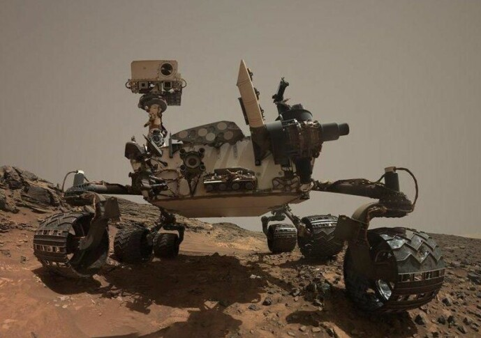 Selvportrett av Curiosity på Mars. Bildet er fra 2015.