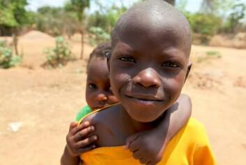 Et dilemma i mange fattige land er om en skal gi god behandling til få, eller dårlig behandling til mange. Av 86 000 nyfødte barn i Tanzania med hiv-positive mødre ble ca 50 prosent behandlet med forebyggende medikamenter i 2009. (Illustrasjonsfoto: www.colourbox.no)