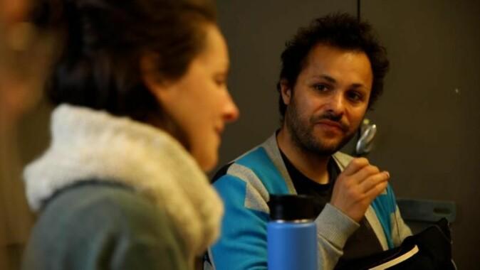 Kunstneren Marsil A. Al-Mahamid startet broderiverkstedet. Det ble både et kunst- og forskningsprosjekt.