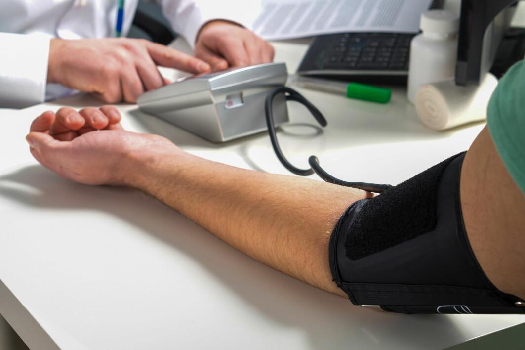 Forskernes funn gjør at det blir spesielt viktig for legene å følge opp menn når de ser en nedadgående trend i blodtrykket over tid.
