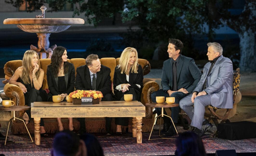 Torsdag 27. mai ble en etterlengtet reunion-episode av Venner for livet tilgjengelig på HBO. I episoden møtes de seks skuespilleren og snakker om serien.