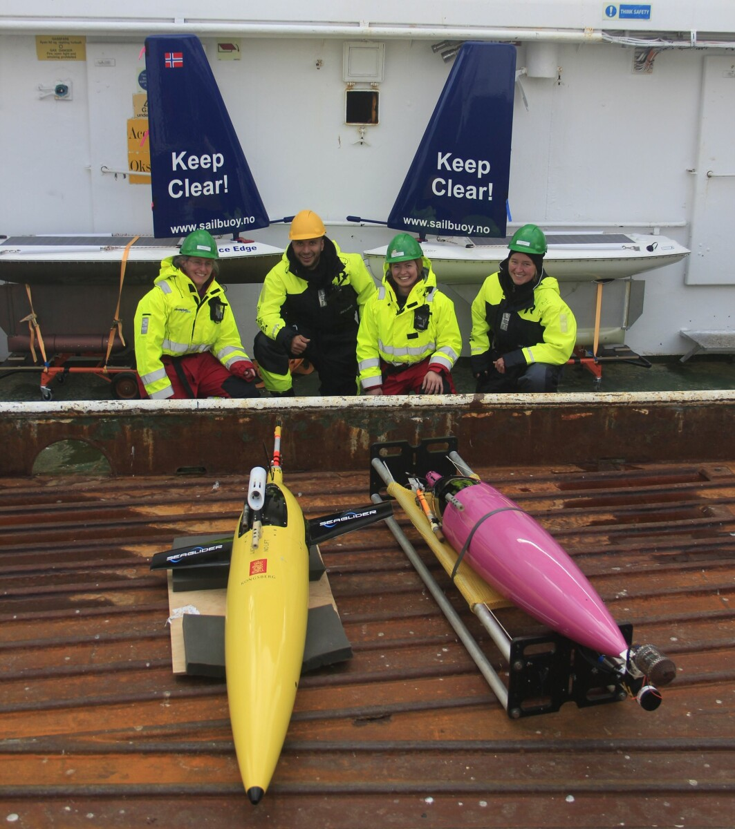Seaglidere og Sailbuoyer klare til å settes ut i havet..