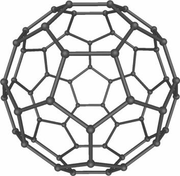 """""""Buckminsterfullerene, eller buckeyball, oppkalt etter arkitekten Richard Buckminster Fuller. (Bilde: Wikipedia/Mstroeck/Bryn C/GNU Free Documentation Licence)"""""""