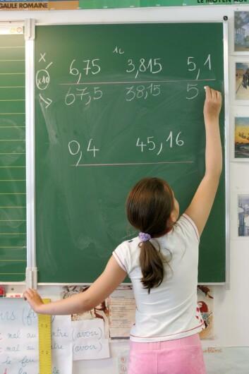 """""""Kunnskapsløftets nye læreplaner i matematikk legger mindre vekt på progresjon og har mer fokus på grunnleggende forståelse, noe som i følge professor Ostad er et skritt i riktig retning. (Illustrasjonsfoto: www.colourbox.no)"""""""