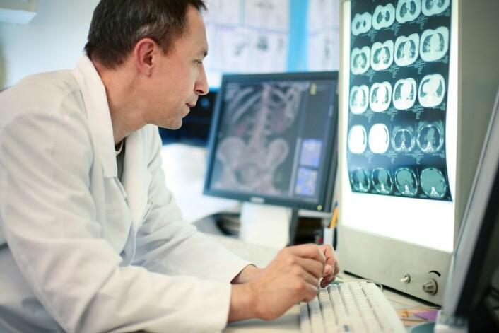 Helsearbeidere over 50 år er spesielt utsatt for press i forhold til ny teknologi i helsesektoren.
