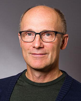 – Vi tror at de strenge koronatiltakene kan ha bidratt til færre innleggelser for hjertesykdom, sier professor Henrik Schirmer.