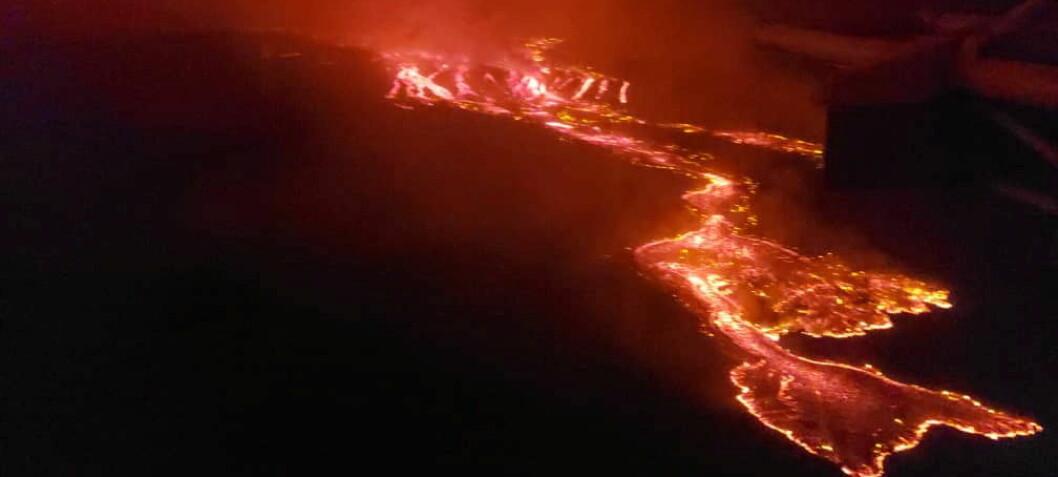 Lavaen renner med en hastighet på opptil 60 kilometer i timen