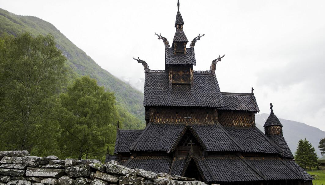 Kritikk av religion på hjemmebane er på mange måter et uttrykk for en tolerant og avansert kultur, men kristendommen spiller også en positiv rolle, skriver Per Bjørnar Grande. Her fra Borgund stavkirke, som ble bygget rundt år 1180 og er en av Norges best bevarte stavkirker.