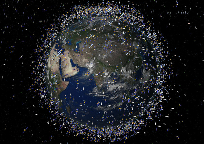 Over hodene våre flyr flere tusen satellitter. Og det blir stadig flere av dem.