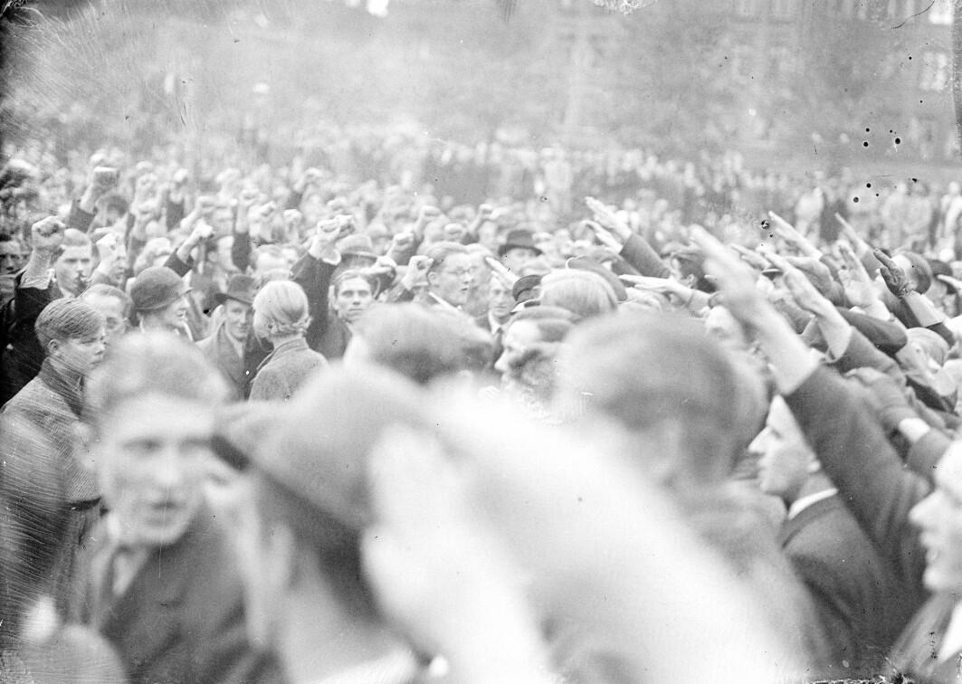Demonstrantar og mot-demonstrantar under ein konservativ demonstrasjon på Blågårds Plads i København, 29. september 1935.