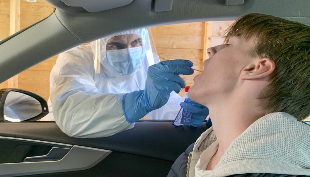 Mange unge mellom 16 og 30 år som har vært syke med covid-19, slet med senplager et halvt år etterpå, ifølge en fersk studie.
