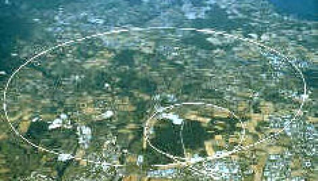 """""""Flyfoto av Genéve med banen til den store CERN-akselleratoren LHC"""""""