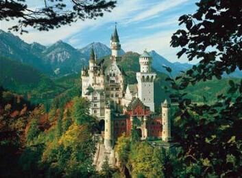 """""""Eventyrslottet Neuschwanstein ble aldri fullført slik Ludwig II så for seg, men dette var likevel et slott utenom det vanlige."""""""