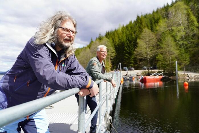 Seniorforsker Torbjørn Forseth i NINA og Svein Haugland, fagsjef for miljø i AgderEnergi Vannkraft.