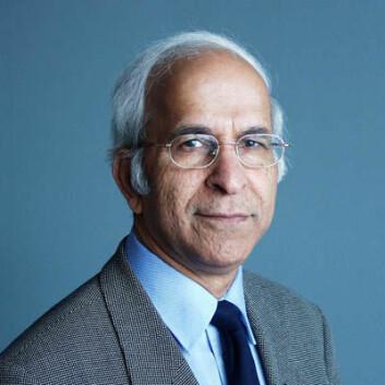 """""""For sitt arbeid innen jordforskning fikk professor Singh i 2004 og 2005 tittelen Fellow hos to prestisjetunge amerikanske forskningsinstitusjoner."""""""
