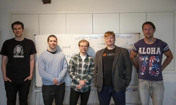 Project leader Paul Arne Østvær together with four of his project participants. From the left: John Christian Ottem, professor at UiO, Dr. Håkon Kolderup, Nikolai Thode Opdan, a master's degree student at UiO, and Ola Sande, a Ph.D. candidate at UiO.
