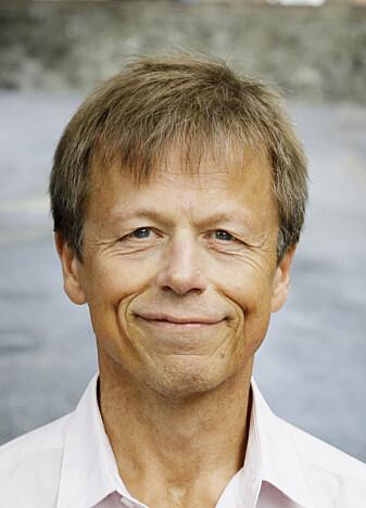 Lars Mehlum regner ikke med noen økning i selvmordstallene på sikt, heller, så lenge Norge slipper økonomiske problemer og massearbeidsledighet.