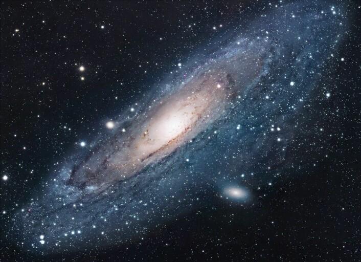 """""""Det er i vår nabogalaksen Andromeda at vi kanskje har sett en planet. (Foto: Nasa / Robert Gendler)"""""""