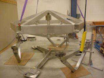 PLMD – Payload module dummy. 702 kg: En simuleringsenhet som skal representere den vitenskaplige nyttelasten til romsonden Gaia. Den er bl.a. representativ i vekt, treghetsmoment, effektive masser og 4 ulike egenfrekvenser. (Foto: Prototech)